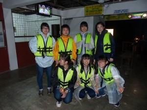 クアラセランゴール川のホタル観賞後、救命胴衣をつけたままの1枚