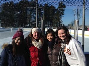RAとアイススケートに行ったときの写真です。昭和ボストンのすぐそばにあるので、歩いていけます!