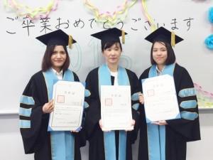 卒業式3人