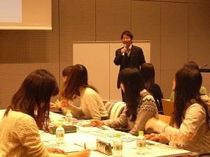 長瀬氏からパワーポイントを使ったプレゼンの仕方を学びました