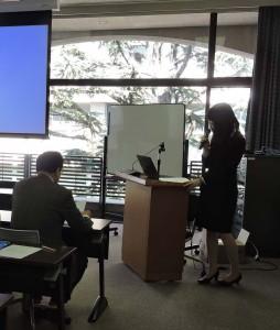 国費留学と修士論文と二つの目標を達成した報告をする院生 ―院生研究発表会―
