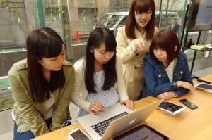 違う大学に通う初めて出会うメンバーとも協力しあい頑張ります。
