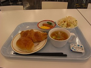 これだけ充実した朝食でなんと150円! 大いに利用したいです。