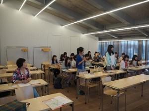 東京SGGクラブの石関会長と市川副会長に私達の社会調査研修について簡単に説明させていただきました。