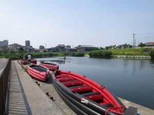 Eボート。この日は5艇で川を楽しみました。
