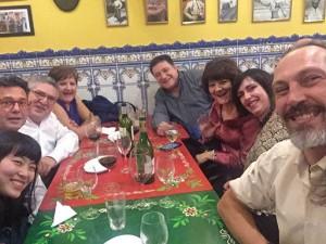 ホストファザーの同僚の人たちとスペイン音楽のディナーショーへ行きました