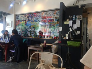 弘大には個性的なカフェが沢山あります