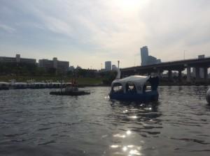 漢江のほとりはソウル市民の憩いの場