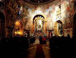 開放的で観覧可能なスペインの結婚式 結婚式に遭遇できた日はとても幸せな気持ちに