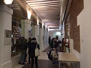 アルカリングアの廊下