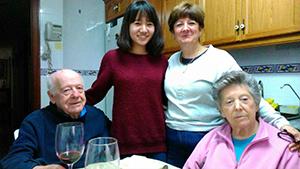バレンシアのおばあちゃんとおじいちゃんの家にて
