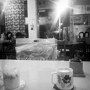 友達とカフェに