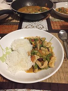 同居人や友達が作ってくれたご飯