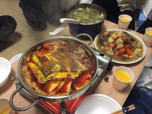 旧正月初日に語学堂の友達宅で食べた鍋