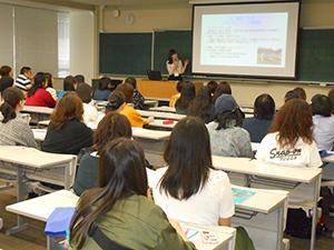 在学生による留学体験談の様子
